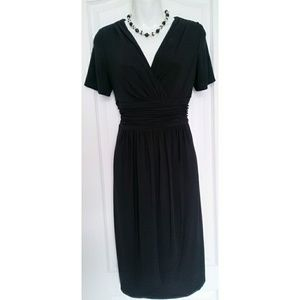 Evan Picone Black pleated v-neck dress Sz 10